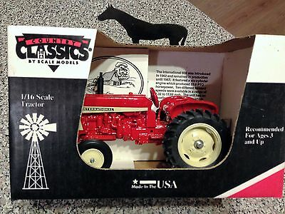 International 606 Made in USA  1/16 scale