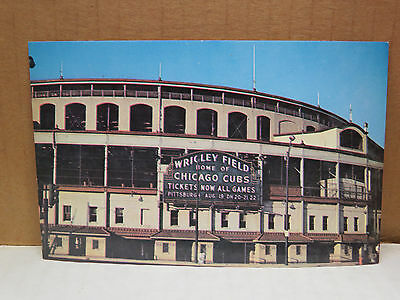 Vintage BASEBALL POST CARD---WRIGLEY FIELD (CHICAGO CUBS)