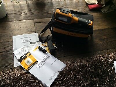 Fluke Ti90 thermal imaging camera with 2 sd cards
