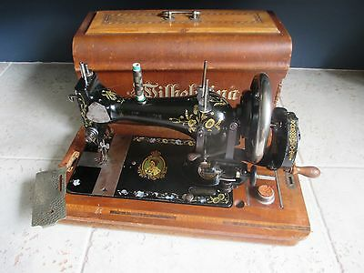 Antique Durkopp Dutch Queen Wilhelmina sewing machine with lid early 1900's