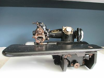 Original U.S. Blind Stitch Mach. Corp. Model 118 sewing machine Europe Import