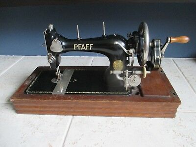 Vintage 1938  Pfaff 11 hand crank sewing machine in box