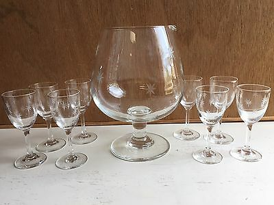 Set of 8 STARBURST Vintage Etched Glasses Mini Cordial Cups & 1 Large Snifter