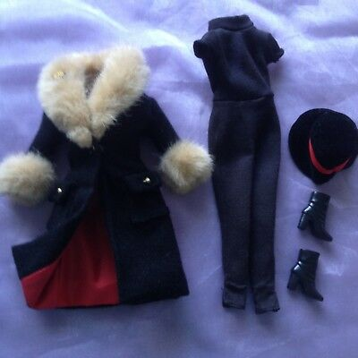 Barbie City Seasons Collection 1998 - Winter Outfit