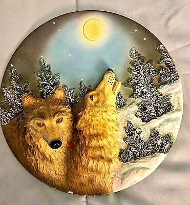 Collectors Wolf Plate In 3-D