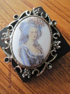 VICTORIAN LADY in Blue Oval Porcelain Ornate Frame Black Lucite Backing Brooch