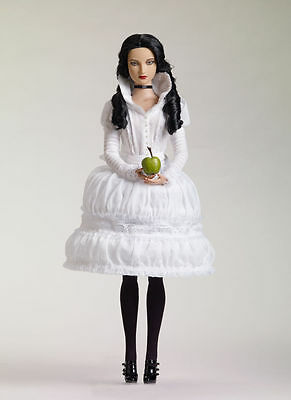Extremely rare SOLD OUT Snow White Tyler Wentworth outfit Tonner doll LE 200