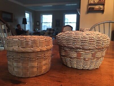 """2 VINTAGE SMALL WOVEN BASKETS WITH LIDS - 2 3/4"""" H x 4"""" W AND 3 1/3"""" H X 5"""" W"""