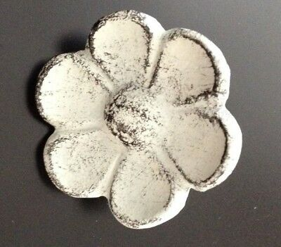 Distressed White Cast Iron Flower Knobs Drawer Pulls Closet Doors Victorian 3WC