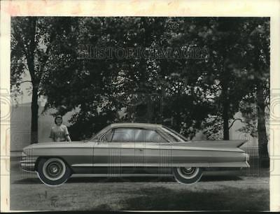 1960 Press Photo Cadillac Coupe de Ville Automobile - mjx67633
