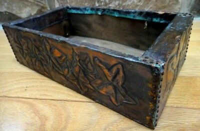 antique ARTS CRAFTS nouveau COPPER REPOUSSE EMBOSSED WOOD BOX hand made