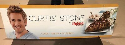 Curtis Stone Sign Hy-Vee