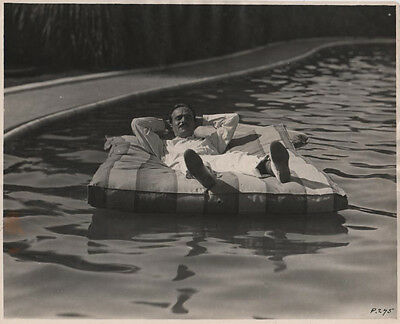 DOUGLAS FAIRBANKS Swimming Pool PISCINE Original Photo