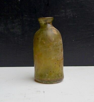 Nice and rare early 17th. century medicine bottle, Dutch