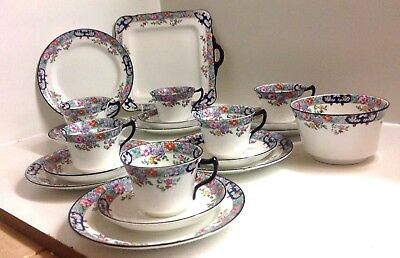 Lovely Sutherland Art Deco Hand Painted 20 piece English Bone China Tea Set