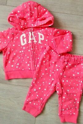 Gap Baby Girl Tracksuit 3-6 months perfect Condition