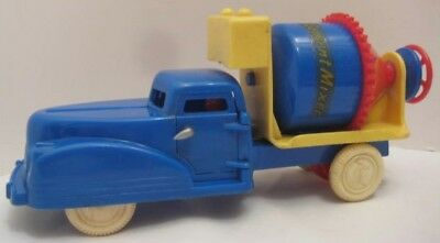 """Colorful Antique Plastic Toy Mechanical Cement Mixer 7"""" Renwal 1940s Rare!"""