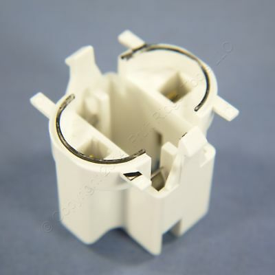 New Leviton Compact Fluorescent Lamp Holder Light Socket Top Snap-In 26720-300