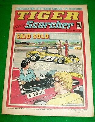 Tiger Comic 18/1/1975 With Manchester City Team  Colour Centrefold Poster