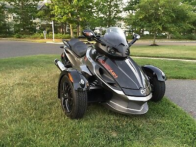 2011 Can-Am Spyder RS-S SM5  2011 Can Am Spyder