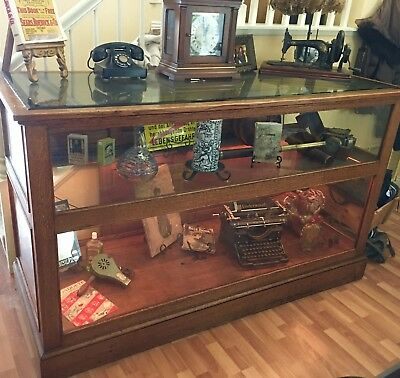 Vtg Jewelry Store DISPLAY CASE / CABINET Oak Wood - Glass Top 3' x 2'+ - Lighted