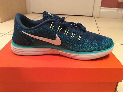 Nike Free RN Distance Trainers