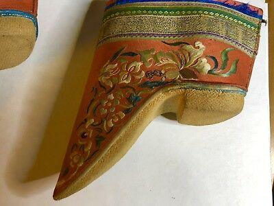 Very old chinese beautiful shoes  Qing dynasty ?