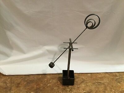 Desktop Kinetic Sculpture - Swinging Pendulum  - Demo Video