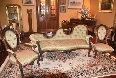 Antique Chaise Longue With Two Matching Chairs
