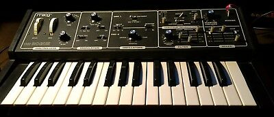MOOG The Rogue Analogue Synthesizer,vintage, very good shape,rare,with power sup