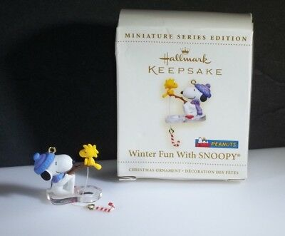 New in Box Hallmark Miniature KEEPSAKE ORNAMENT Winter Fun with SNOOPY 2006