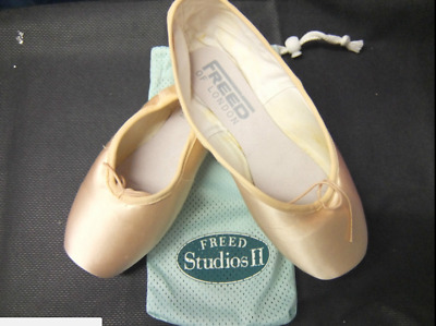 Pink satin Freed studios II pointe shoes - various sizes