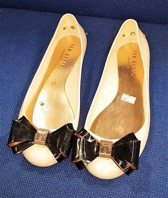 dd13bfdc50dd Ted Baker White Flat Shoes Women Used Smart Party Casual Ladies Size UK 6  EU 39