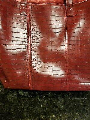 074fea3a9cda VINTAGE NEIMAN MARCUS Faux Crocodile Leather Burgundy Wine Red Tote ...
