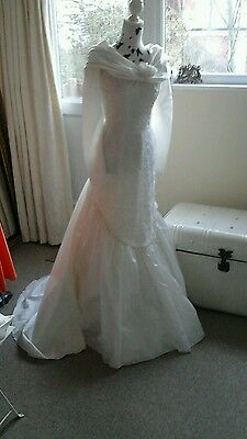Ivory fitted wedding dress size 12