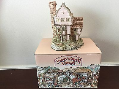 David Winter Suffolk House Figurine Boxed! 1985