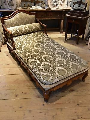 18th century Aixoise chaise longue
