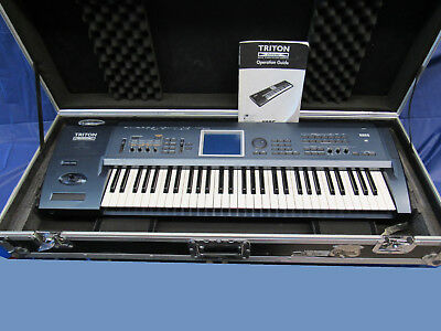 KORG TRITON EXTREME 61-key with hard case