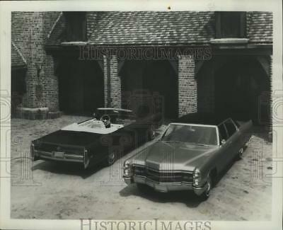 1965 Press Photo The 1966 Cadillac DeVille convertible and Fleetwood brougham.