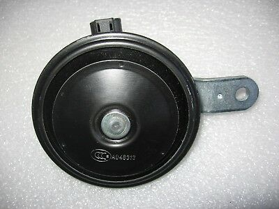 "Fiamm HK9 Disc Horn 12 Volt 3-5/8"" Diameter with Double Bracket & 2-Pin Plug"