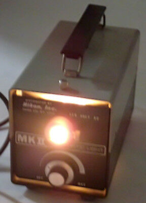 NIKON MK11 FIBER OPTIC LIGHT ILLUMINATOR INPUT: 115VAC OUTPUT: 150W 50-60Hz