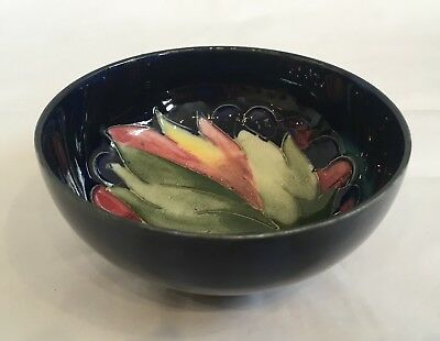 Antique Vintage William Moorcroft Pottery Leaf And Berries Small Footed Bowl