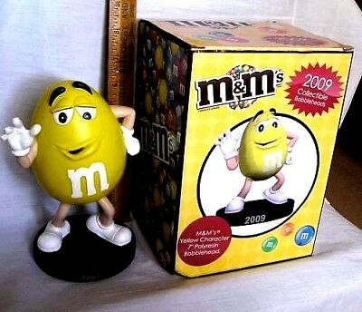 Yellow M&M's 2009 Mars Candy Bobblehead Nodder RARE HARD TO FIND IN BOX