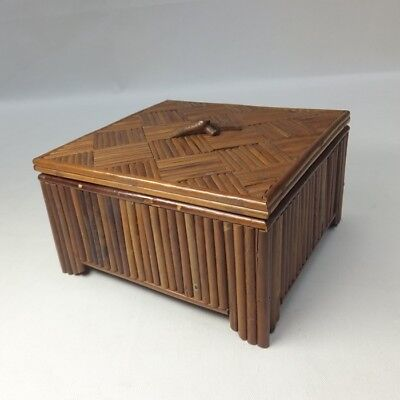 G431: Rare Japanese accessories case of parquet of bamboo w/good work and taste