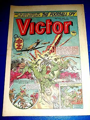 KINGS AFRICAN RIFLES v JAPS IN BURMA WW2 COVER   IN VICTOR COMIC 1984