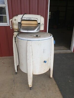 Fully Functioning Vintage Speed Queen Wringer Washer Washing Machine!