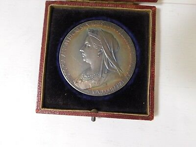 Cased QUEEN VICTORIA Large Silver DIAMOND JUBILEE Medal 1837 - 1897