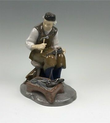 Bing & Grondahl B&G Figurine, Cobbler, Shoemaker #2228 Signed Axel Locher