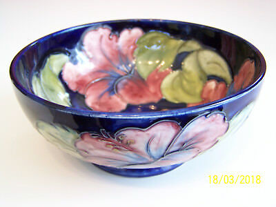 "Moorcroft - Hibiscus Bowl - 6 1/4"" Inside/Outside design,Footed,  Beautiful"