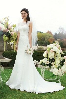 Sincerity Bridal Gown 3730 Ivory size 12. Wedding dress. Immaculate. Lace fitted